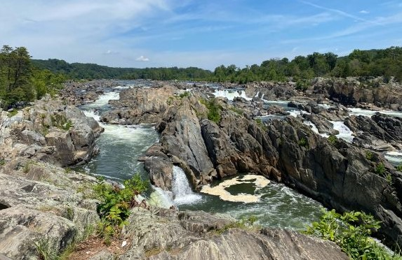 Enjoy the Fall Foliage in Great Falls Park