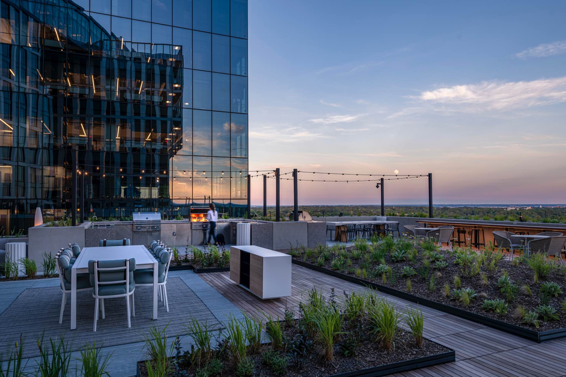 From cooking classes to cocktails in the 17th-floor courtyard, leisure time at The Elm is designed to nourish your sense of self.